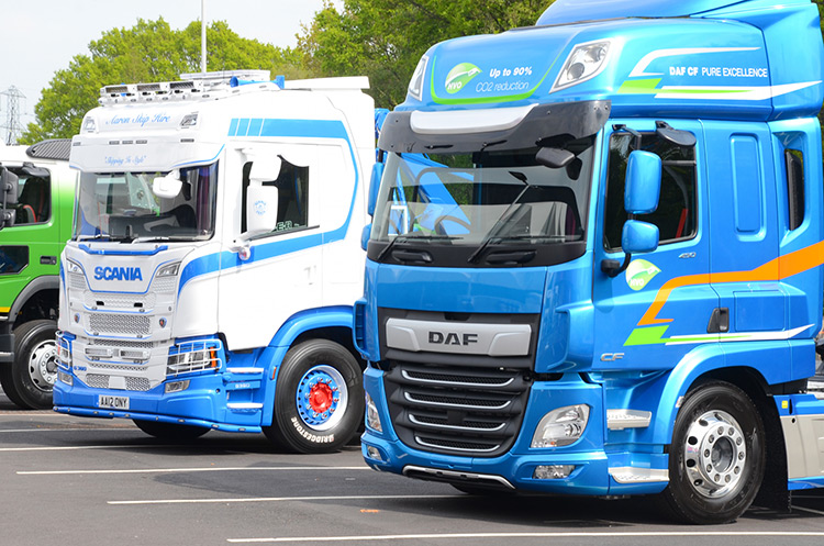 Outside exhibits at the CV Show 2021 - image